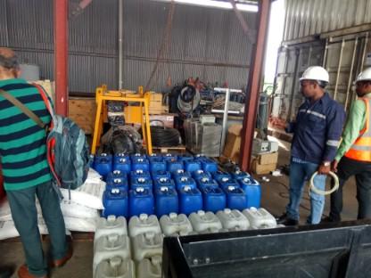 Harga Cairan Asam Klorida | PT HIKAM Abadi Indonesia Distributor Bahan Kimia Industri